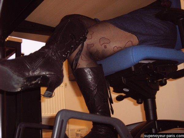 salon pute voyeur au bureau